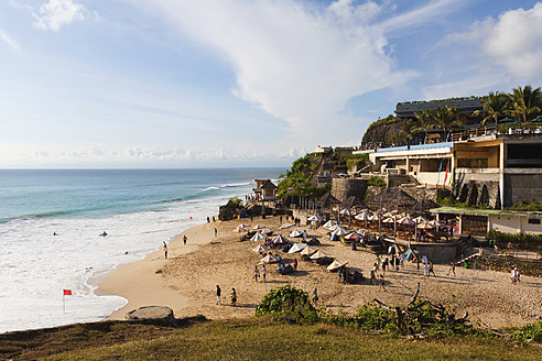 Indonesia, Bali Island, Bukit Peninsula, View of Dreamland Beach - WVF000192