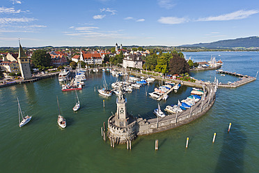 Germany, Bavaria, Lindau, View of port with boats - WD001066