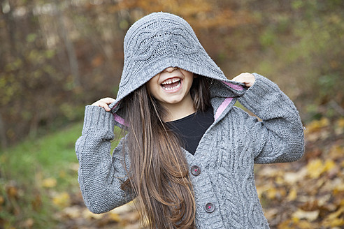 Germany, Huglfing, Girl smiling - RIMF000076