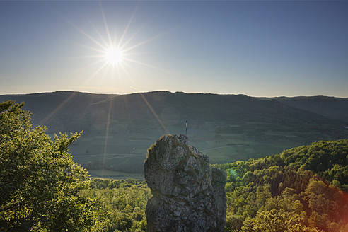 Germany, Bavaria, Franconia, Franconian Switzerland, View of mountain with sun - SIEF001979