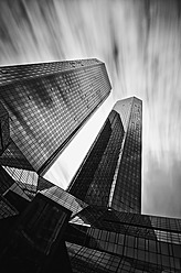 Germany, Hesse, Frankfurt, Deutsche Bank building against sky - WA000005