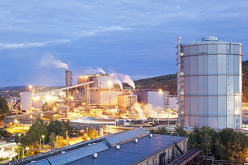 Germany, Voelklingen, View of industrial building at dusk - MSF002549