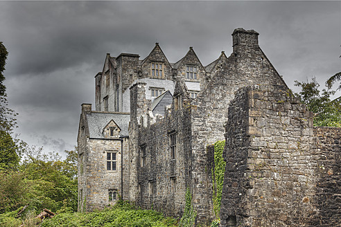 Ireland, County Donegal, View of Donegal Castle - SIE002176