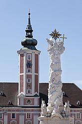 Austria, Lower Austria, Mostviertel, St. Poelten, View of trinity column at town hall - SIE002220