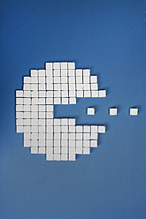 Sugar cubes paceman on blue background - ANBF000013