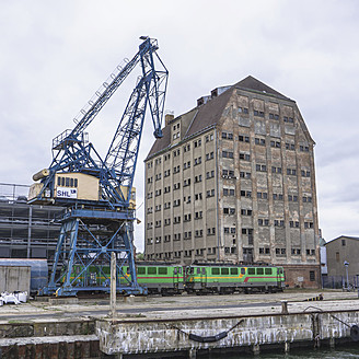 Northern Germany, Crane and train at dock - LF000330