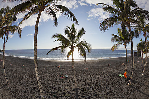 Spain, Canary Islands, La Palma, People on beach - SIEF002339
