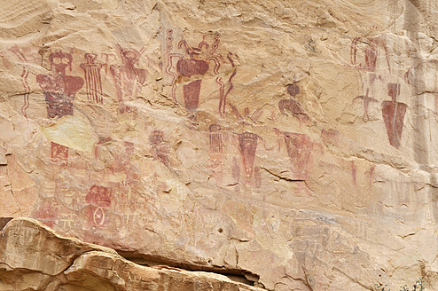 USA, Utah, Art on rock at Sego Canyon Petroglyphs - ESF000157