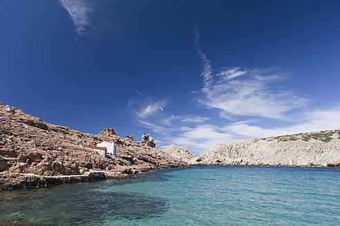 Spain, Menorca, Man and woman at Cala Morell - DSF000507