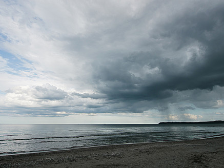 Germany, View of cloudy sky over Baltic Sea at Rugen Island - LFF000360