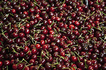 Spain, Malaga, Full frame of cherries - NGF000004