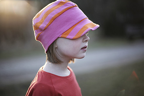 Germany, Berlin, Girl with hat, close up - SAF000011