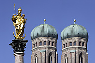 Germany, Bavaria, Munich, Marian column in front of Church of Our Lady - TCF002441