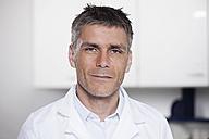 Germany, Bavaria, Munich, Scientist in laboratory, portrait - RBF000838