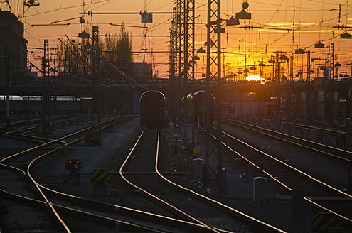 Germany, Bavaria, Munich, View of main station at sunset - LFF000445