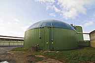 Germany, Thuringia, View of biogas plant - MJ000033