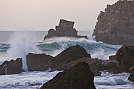 Portugal, Algarve, Sagres, View of Atlantic ocean with breaking waves - MIRF000417