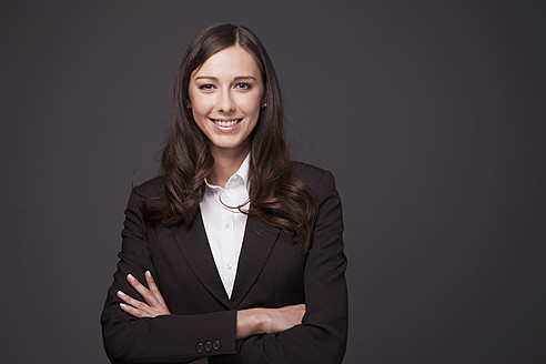 Businesswoman smiling, portrait - PRAF000004