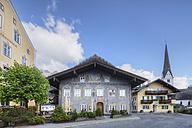 Germany, Bavaria, Garmisch-Partenkirchen, View of parish church and Husar Inn - SIEF002629