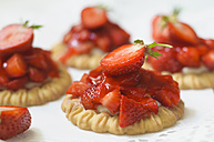 Germany, Saxony, Strawberry tarts, close up - MJF000049