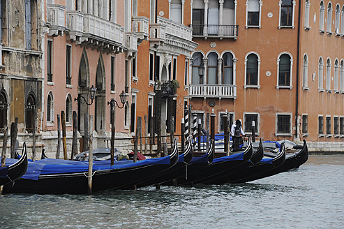 Italy, Moored gondolas at Venice - LR000561