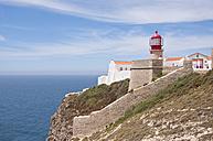 Portugal, View of lighthouse at Cabo de Sao Vicente - UM000387