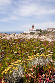 Portugal, View of lighthouse at Cabo de Sao Vicente - UMF000388