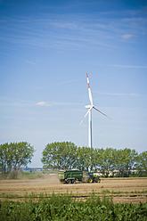 Germany, Saxony, View of wind turbine in wind park - MJF000079