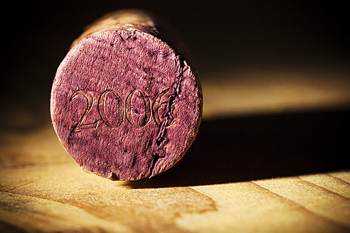 Close up of champagne bottle cork - EJWF000095