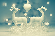 Christmas decoration with deer, close up - MJF000168