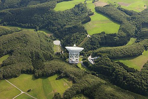 Europe, Germany, Rhineland Palatinate, View of Effelsberg Radio Telescope - CS015929