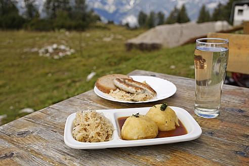 Austria, Upper Austria, Dumpling with sauerkraut and sausage - SIEF002969