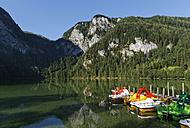 Austria, Upper Austria, View of Lake Gleinkersee - SIEF002981