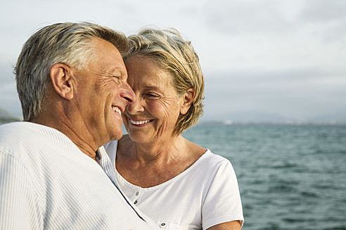 Spain, Senior couple at the sea - JKF000027