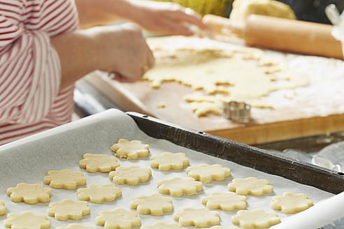 Germany, Bavaria, Preparation of Christmas cookies - DSCF000038