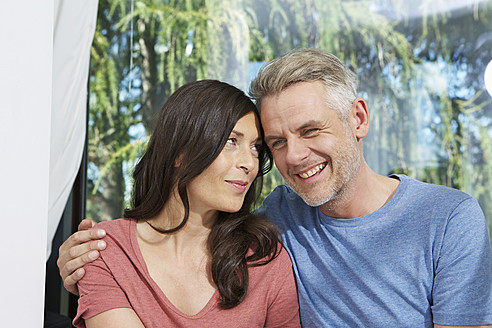 Germany, Berlin, Mature couple smiling - SKF001140
