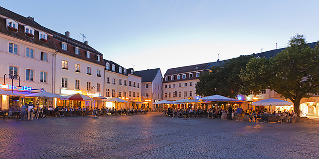 Germany, Saarland, View of St Johanner Market Square - WDF001351