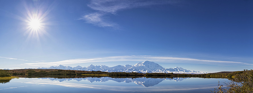 USA, Alaska, View of Mount McKinley and Alaska Range at Denali National Park - FOF004487