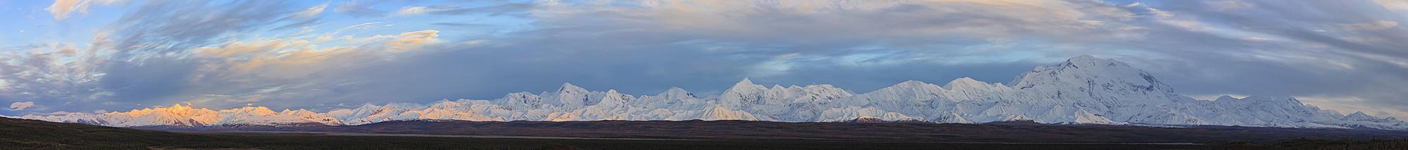 USA, Alaska, View of Mount McKinley and Alaska Range at Denali National Park - FOF004489