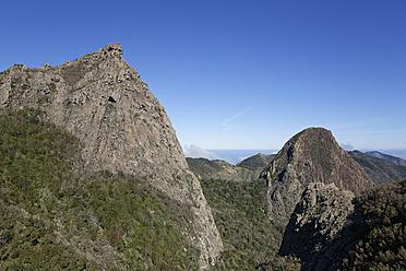 Spain, La Gomera, View of Roque de la Zarzita at Garajonay National Park - SIEF003188