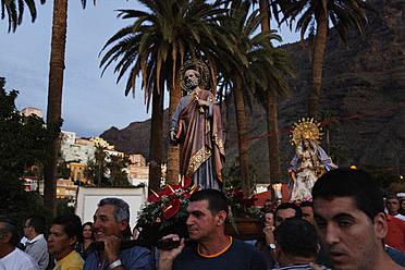 Spain, La Gomera, People in  Bajada Nuestra Senora de los Reyes procession - SIE003138