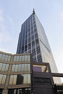 Australia, Victoria, View of Office Tower at Melbourne City Centre - MIZ000079
