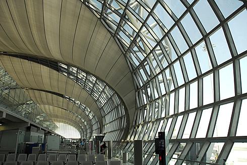Thailand, Bangkok, Interior of Suvarnabhumi Airport - MIZ000099
