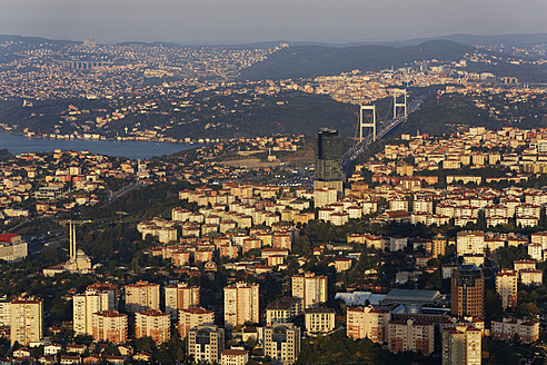 Europe, Turkey, Istanbul, View of financial district with Fatih Sultan Mehmet Bridge - SIE003204