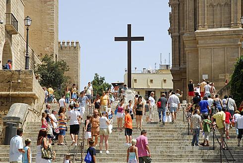 Spain, Mallorca, Palma, Stairs at La Seu cathedral - MIZ000153