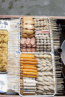 Thailand, Bangkok, Thai food on floating market - FL000158