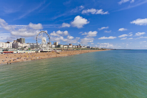 England, Sussex, Brighton, View of beach and big wheel in background - WDF001497