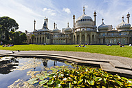 England, Sussex, Brighton, View of Royal Pavilion - WD001502