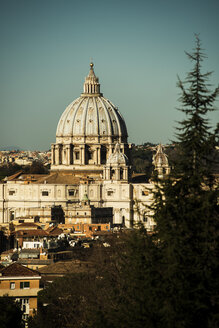 Italy, Rome, View of St Peters Basilica at Vatican - KA000055