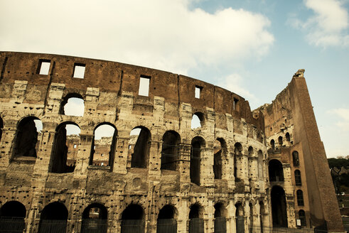 Italy, Rome, View of Colosseum - KA000057